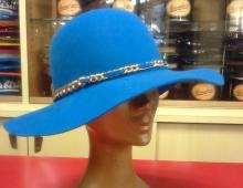 Cappello morbido donna in feltro lapin con guarnizione in catena