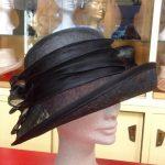 cappello in sisal nero e guarnizione in seta