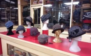 cappelli-in-pile-lana-cotta-tweed-nastro-di-maglia-e-tamburelli-in-lana-pile