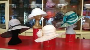 Cappelli da cerimonia in paglia Sisal con guarnizione in Organza di seta