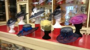 Cappelli in paglia sisal ed acconciature in sisel e crine